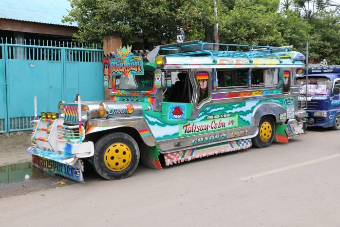 Jeepney_cebu_1.jpg