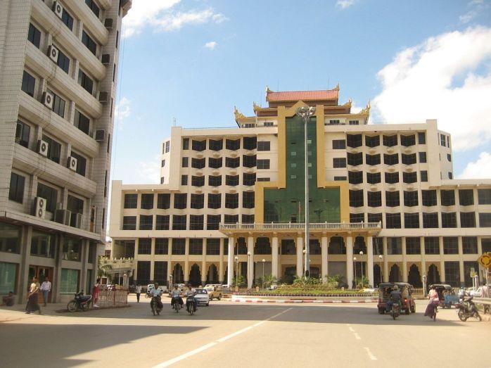 Mandalay_Central_Station.JPG